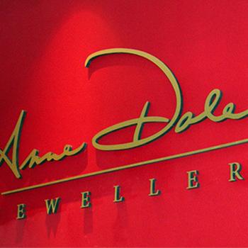 jeweller signage 3D lettering 3D signage custom exhibit design interior design